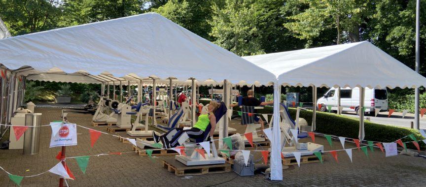 Walddörfer SV baut Zelte auf für Sport im Freien