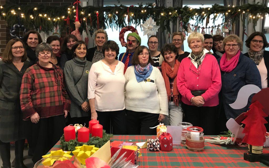 Das Team gestaltet jedes Jahr den Volksdorfer Weihnachtsbasar und den Spenden-Adventskalender