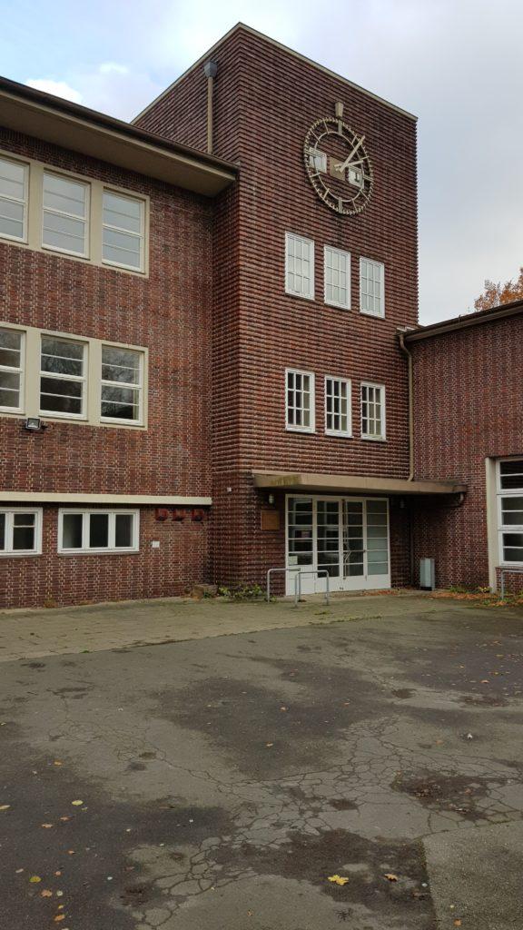 Schulgebäude in der Linaustarße in Berne wird Stadtteilzentrum