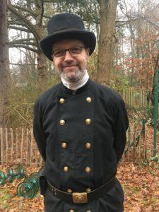 Lothar Arps, 53, als Schornsteinfeger in Volksdorf unterwegs