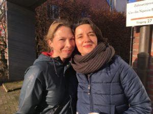 Simone Bethge (41), Großhansdorf  und  Anja Schiemann (41), Poppenbüttel