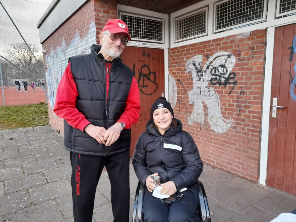 Herbert Schacht und Kristina Vogel auf dem SCP-Gelände