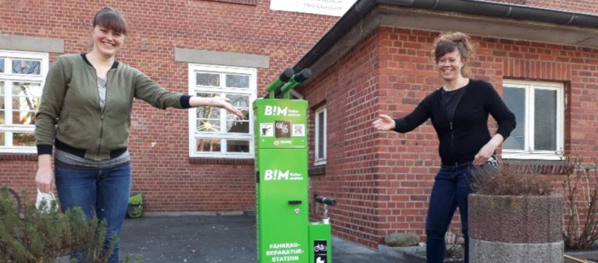 Die Fahrrad-Reparatur-Station am BIM in Meiendorf ist eingeweiht