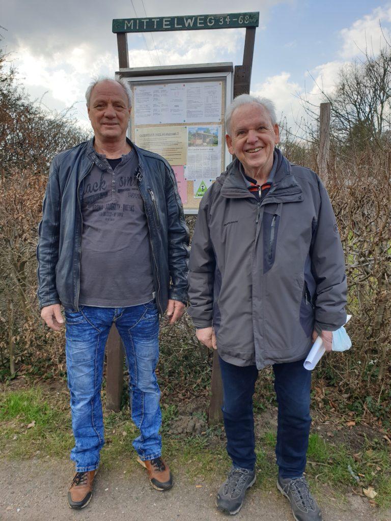 Die Vorsitzenden der KGV Diekmoor 1 und 2 Bernd Hohmuth (l) und Hermann von der Heide