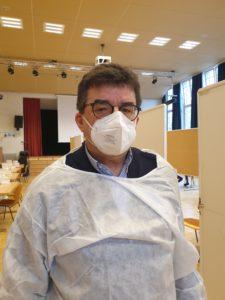 Schuldirektor Mathias Conrad organisiert die Corona Tests in der Schule Strenge