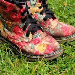 Schuhe von Kinder bemalt