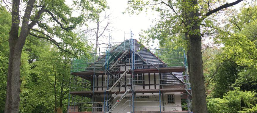 Die Sanierung des Wohldorfer Bahnhofsgebäudes am Schleusenredder 10a soll in einem Jahr abgeschlossen sein
