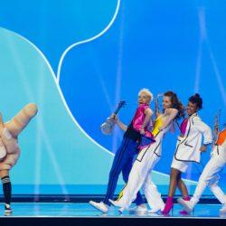 Alle auf den Mittelfinger: Sophia Euskirchen und Jendrik, Myriam Küppers, Madina Frey und Elvin Karakurt proben für den großen Auftritt.