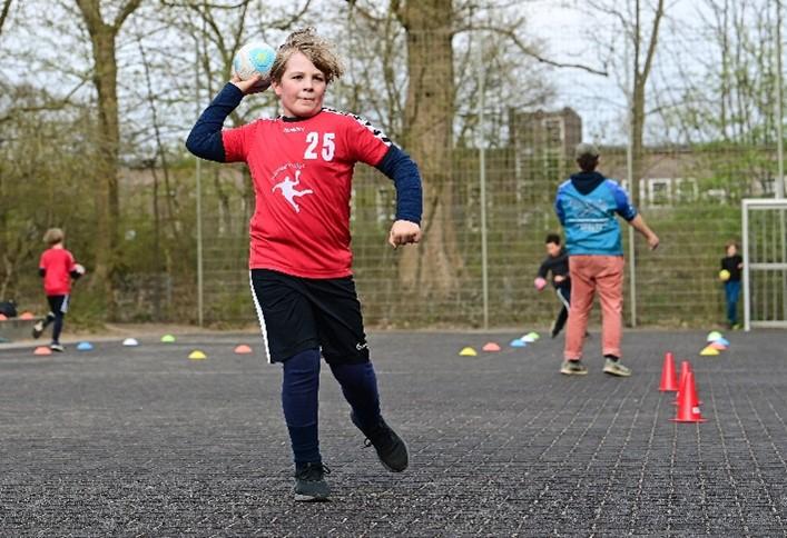 Auch die Nachwuchshandballer der SG Hamburg Nord freuen sich auf mehr Training in der Halle. Foto: SGHN