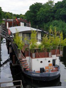 Veloroute 6, Hausboote auf dem Eilbekkanal