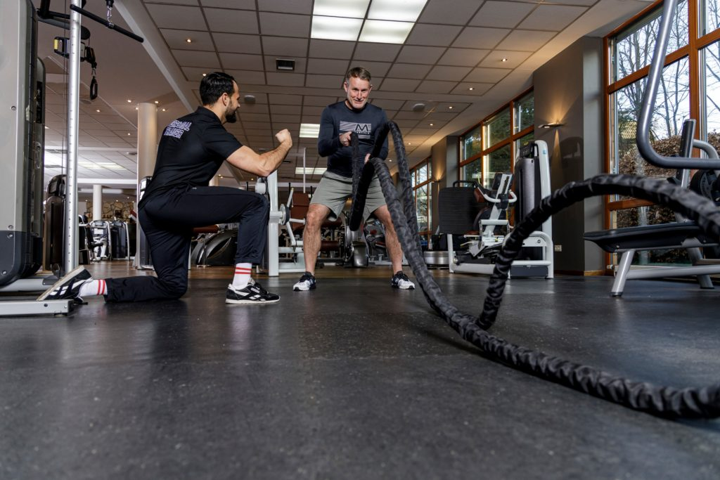 Clubmanager Oliver Hofstätter beim Personal Training mit Olaf Borkers.