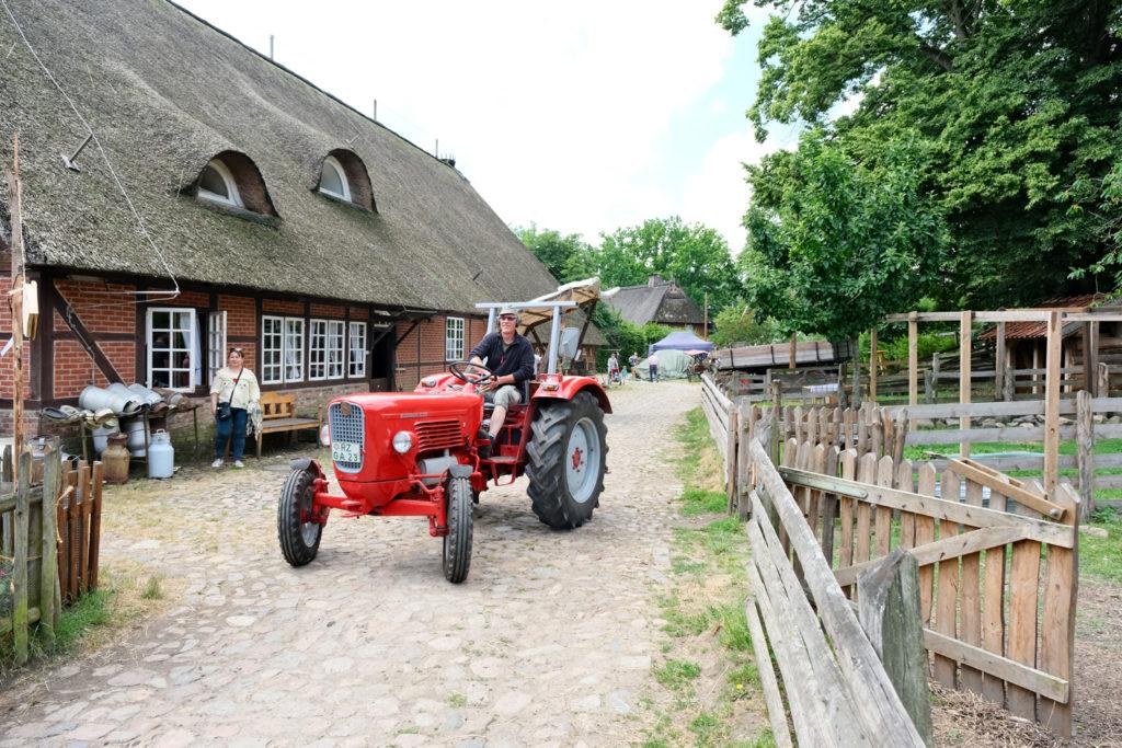 Trecker_allgemein4_Museumsdorf_Volksdorf_Treckertreffen