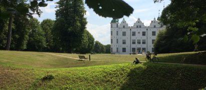 Das Ahrensburger Schloss ist ein Hingucker.